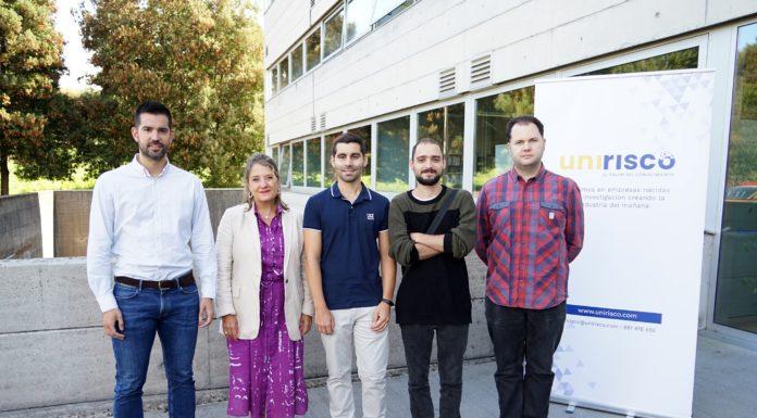 De esquerda a dereita, Pablo Mosquera e Inmaculada Rodríguez Cuervo (Unirisco) xunto a Alejandro Ramos, Álvaro Porto e Javier Toja (InVerbis). Foto: Andrés Ruiz / CiTIUS.